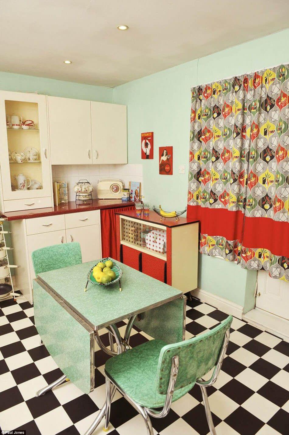 la cuisine retro – vintage garantit un véritable dépaysement vers le
