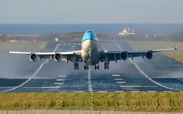 Aeroplane Take Off With Images Aircraft
