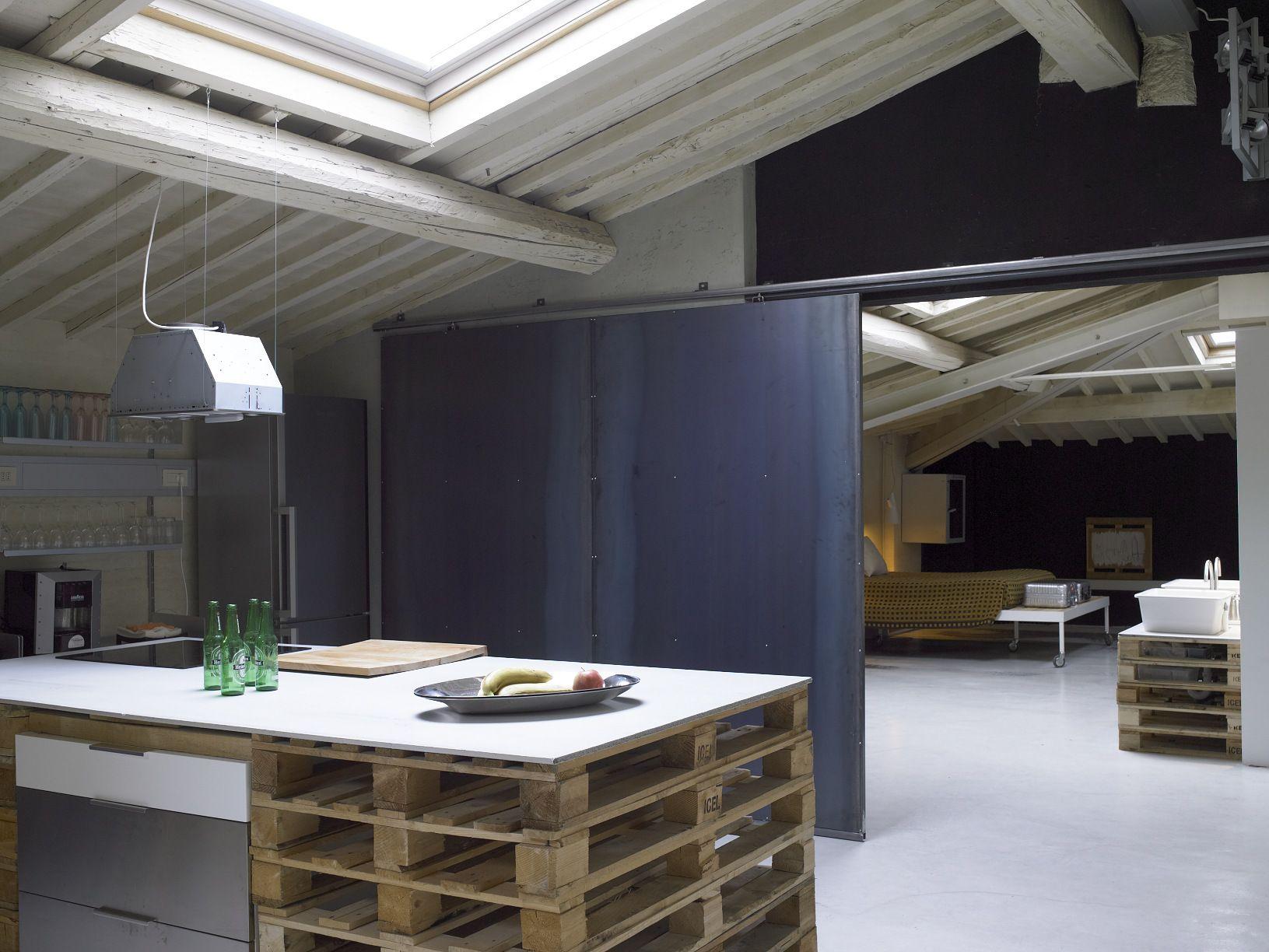 Q-BIC - Project - Pallets Loft - Image-6