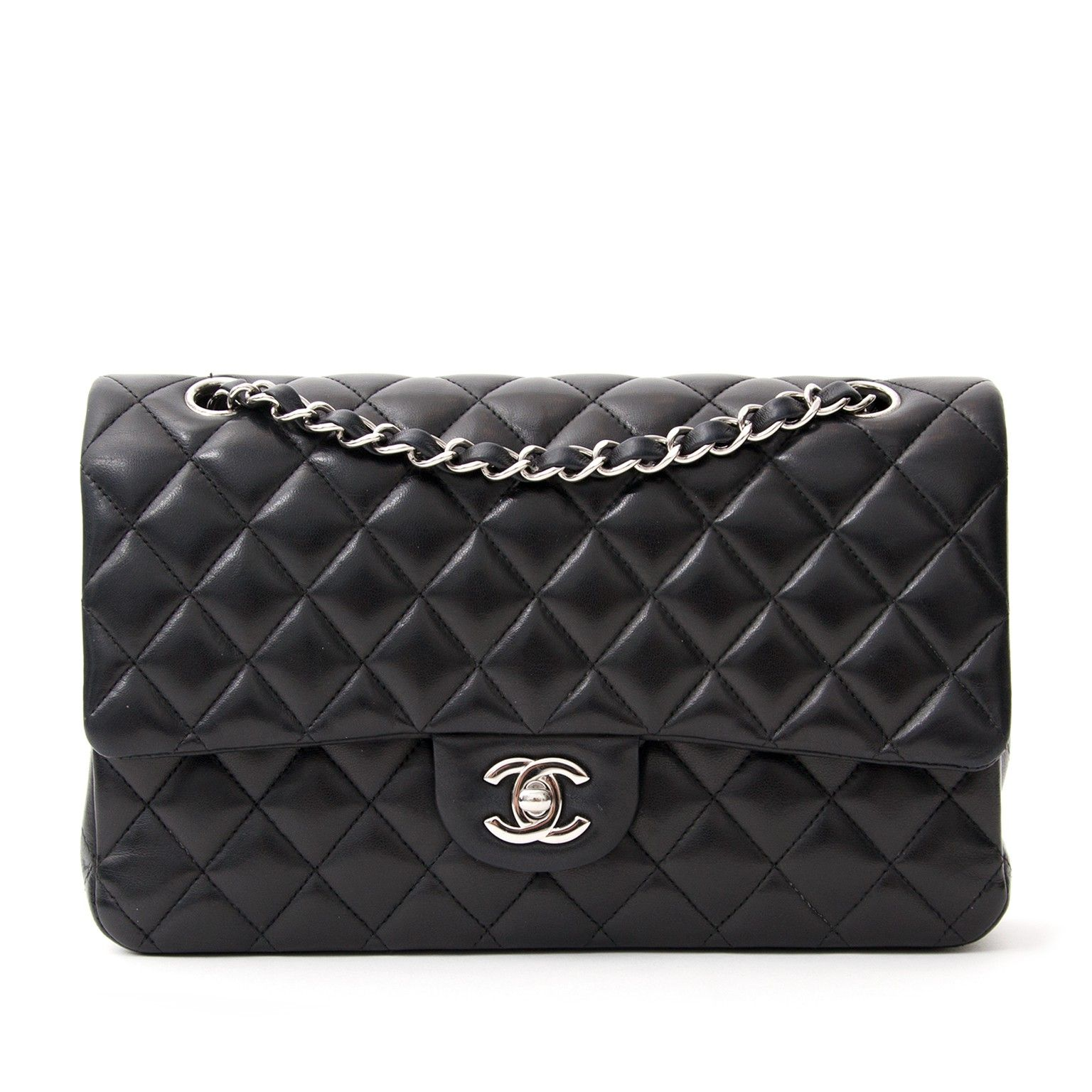 fcf19c9cc9e28 Tweedehands Chanel Classic Flap Medium Quilted Lambskin Silver Bag. Buy  this beautiful black classic Chanel
