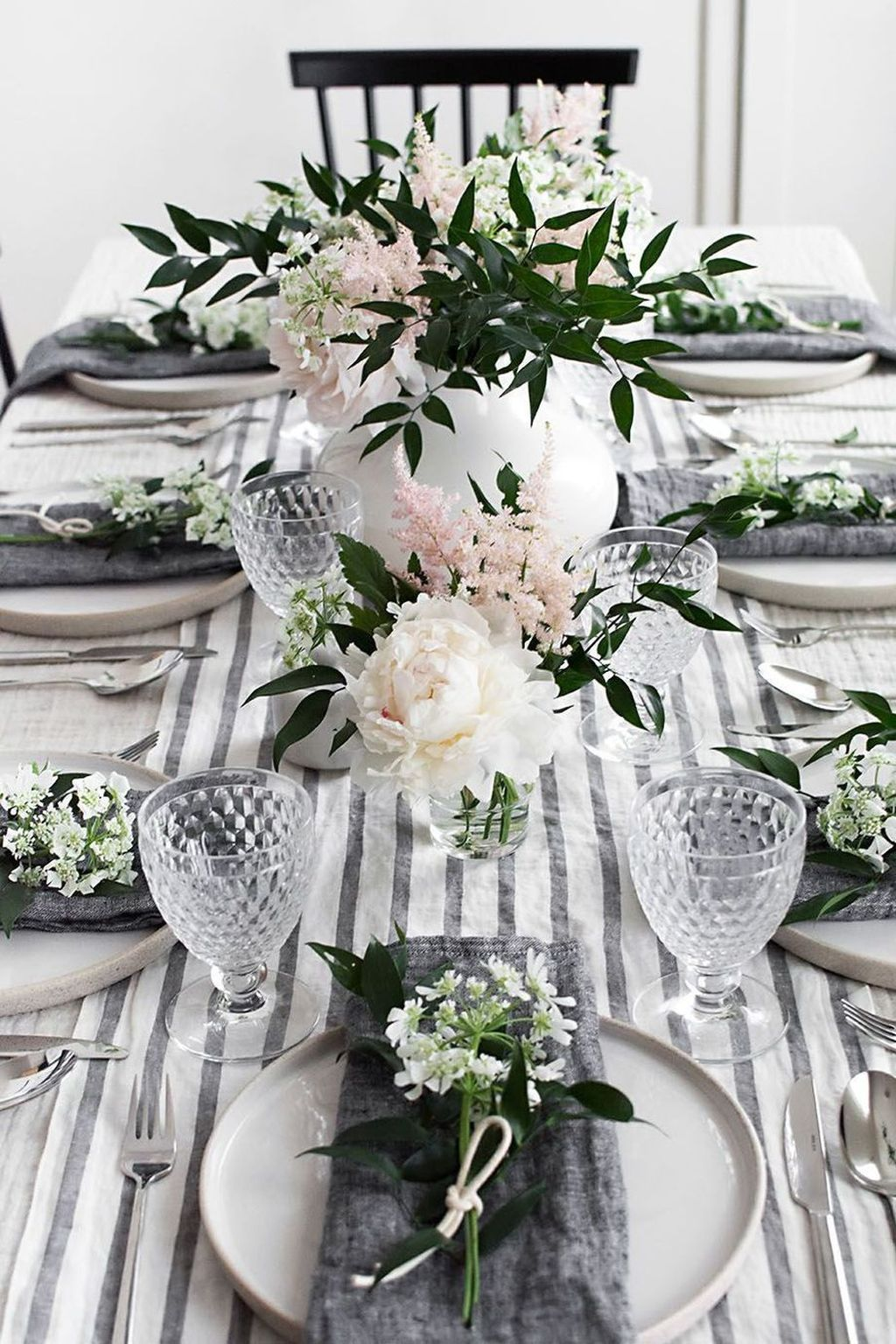 36 Stunning Spring Dining Room Table Centerpiece Ideas