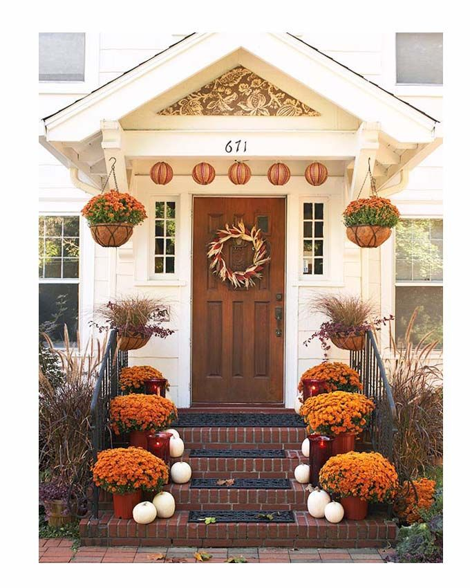 Doorstep roof to give house character.  sc 1 st  Pinterest & Hanging plants. Doorstep roof to give house character. | curb ... pezcame.com