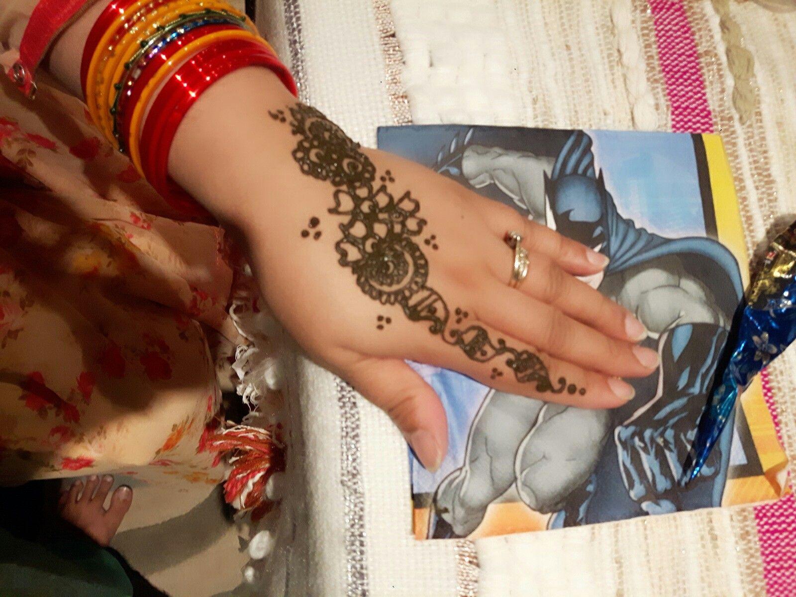 Pin mehndi and bangles display pics awesome dp wallpaper on pinterest - Mehndi
