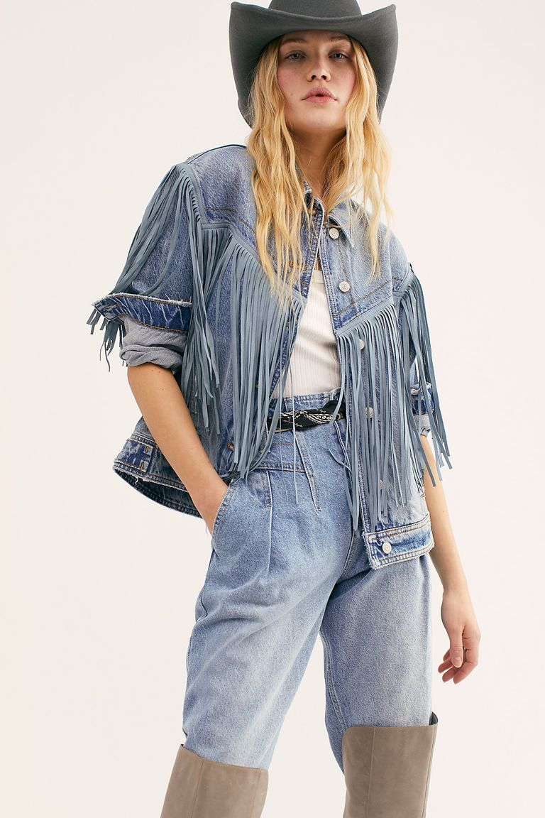 How To Make A Denim Jacket Your Year Round Uniform Denim Jacket Women Denim Jacket Blue Denim Coat [ 1152 x 768 Pixel ]