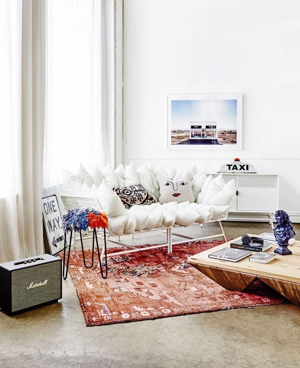 Area Rug Ideas Para Sala De Estar Living Room Designs Alfombras Para Sala Red Couch Living Room Red Sofa Living Room Living Room Carpet