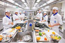 Lecordonbleu Students Offered A La Carte Lunch At Venu Restaurant Victoria University Melbourne Australia Cordon Bleu Le Cordon Bleu Cordon