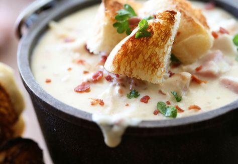 #Recetas de #Navidad - Salimos de lo habitual para crear una variante del famoso Cordon Bleu. Una sopa de Cordon Bleu de Pollo para chuparse los dedos. ¡Buenísima para la Navidad!