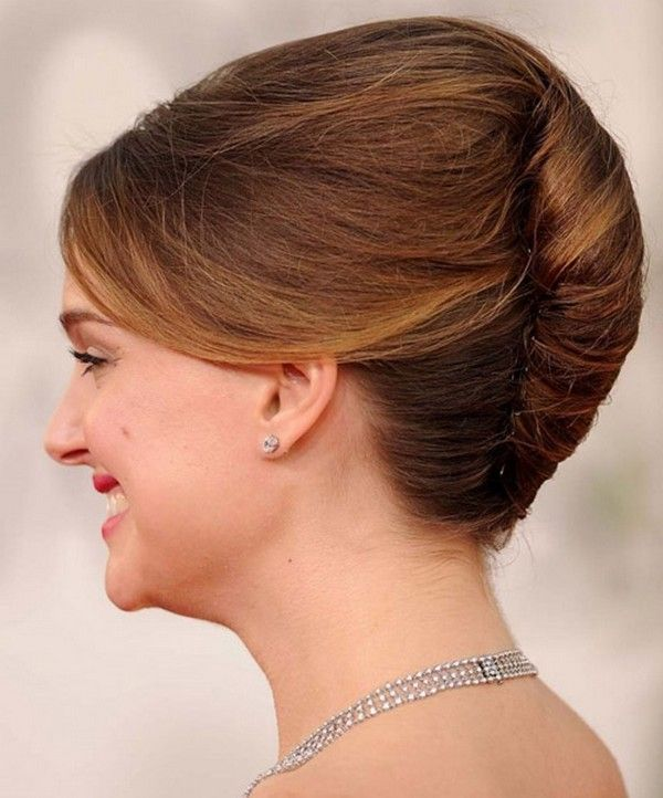 Classic French Roll Hairstyle French Twist Hair Roll Hairstyle Long Hair Styles