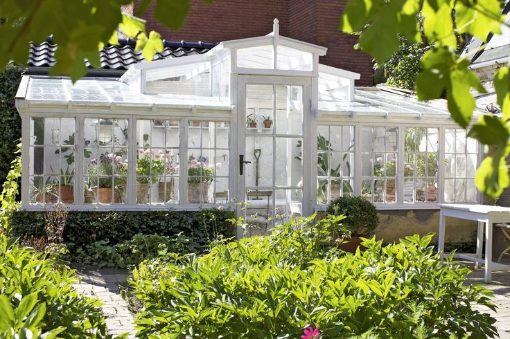 green+house+with+old+windows | greenhouses made from old windows | Exterior Design ~ Chateau de Fleu ...
