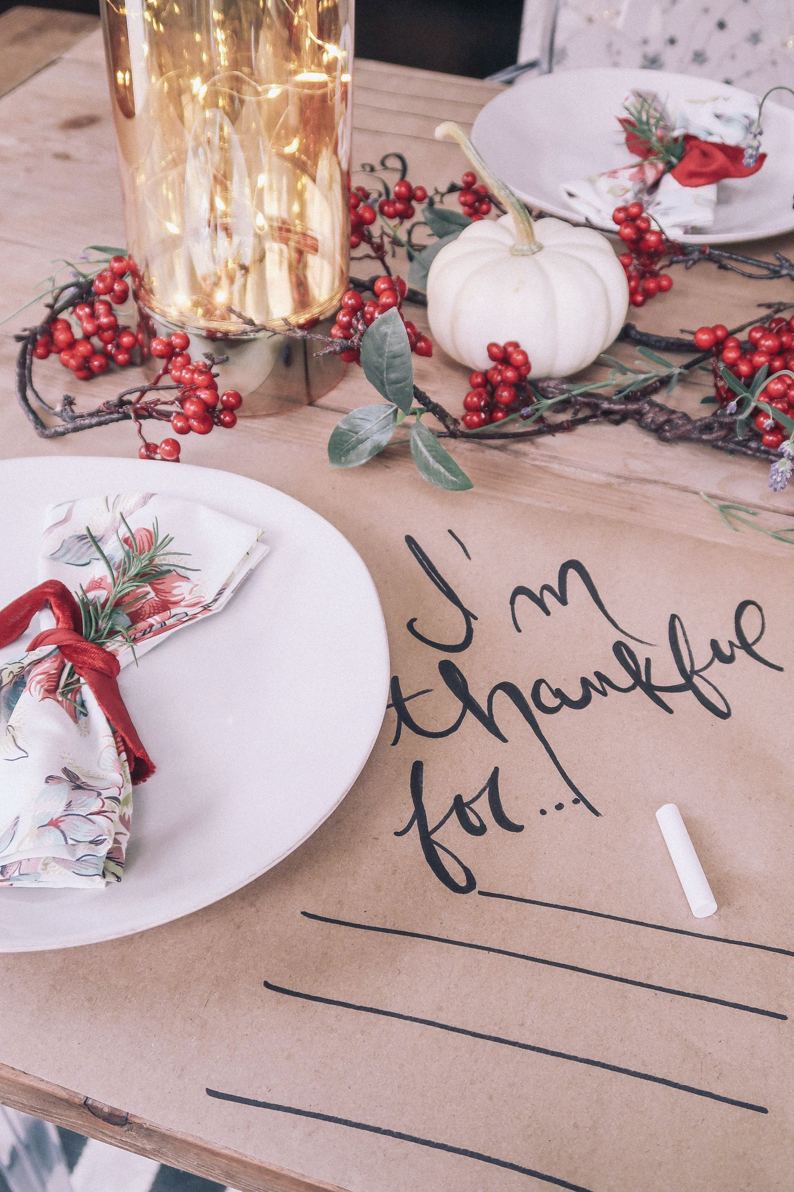 How to Decorate a Thanksgiving Table on a Budget