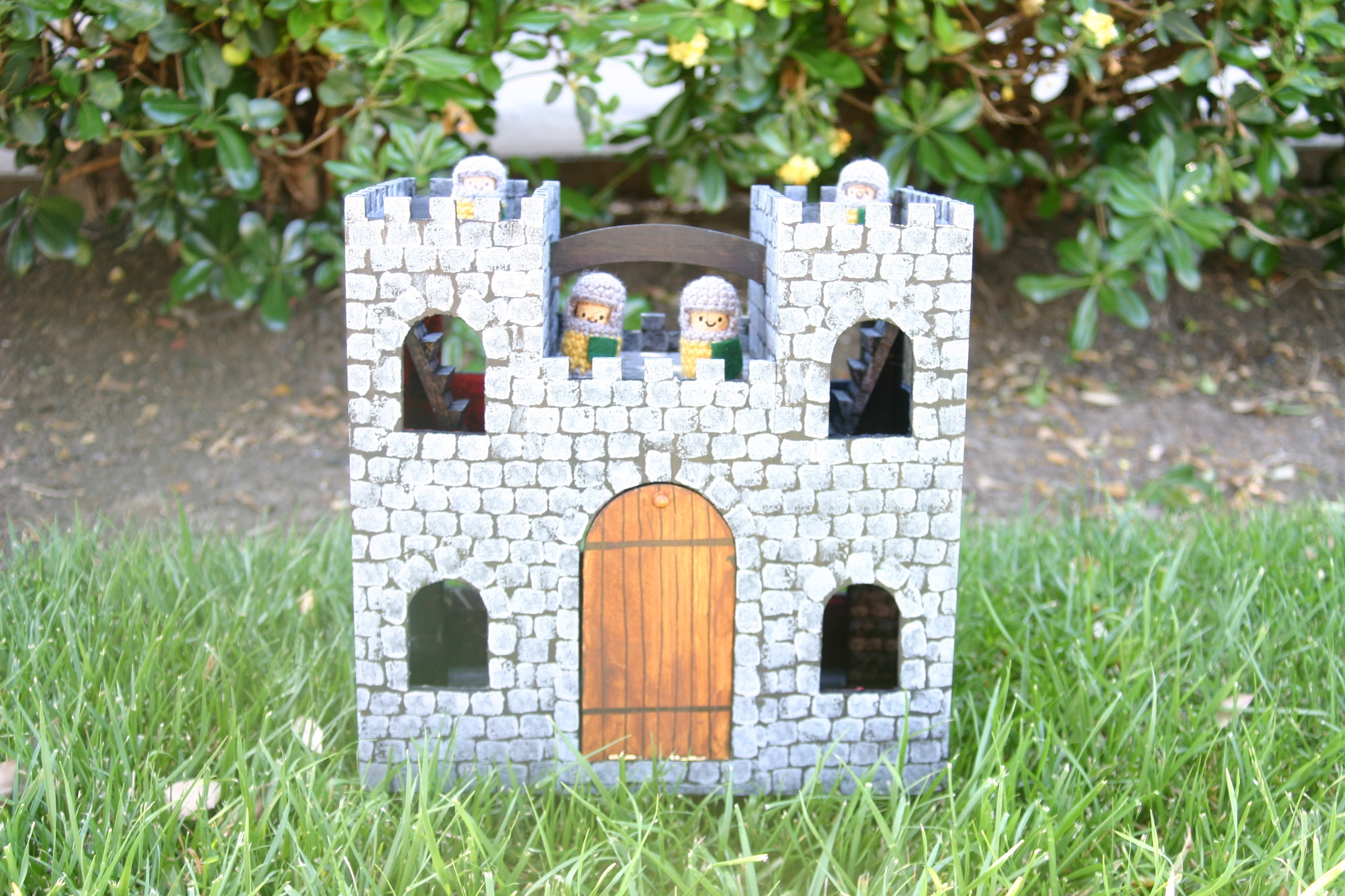 A Couple Of Years Ago I Saw This Great Wooden Castle Dollhouse Type