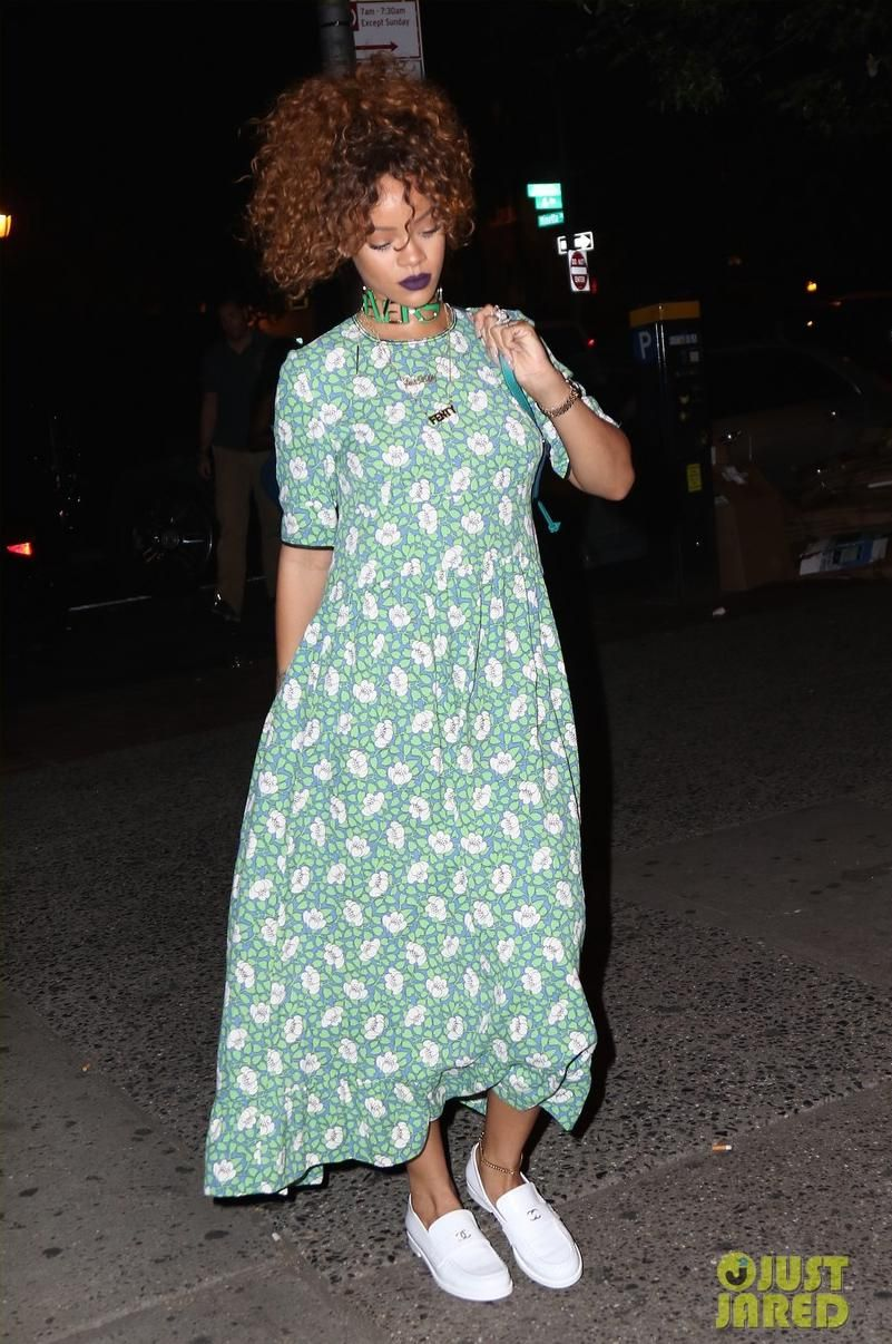 01a4feb0e81 Rihanna wearing Marni Floral Print Crepe Dress
