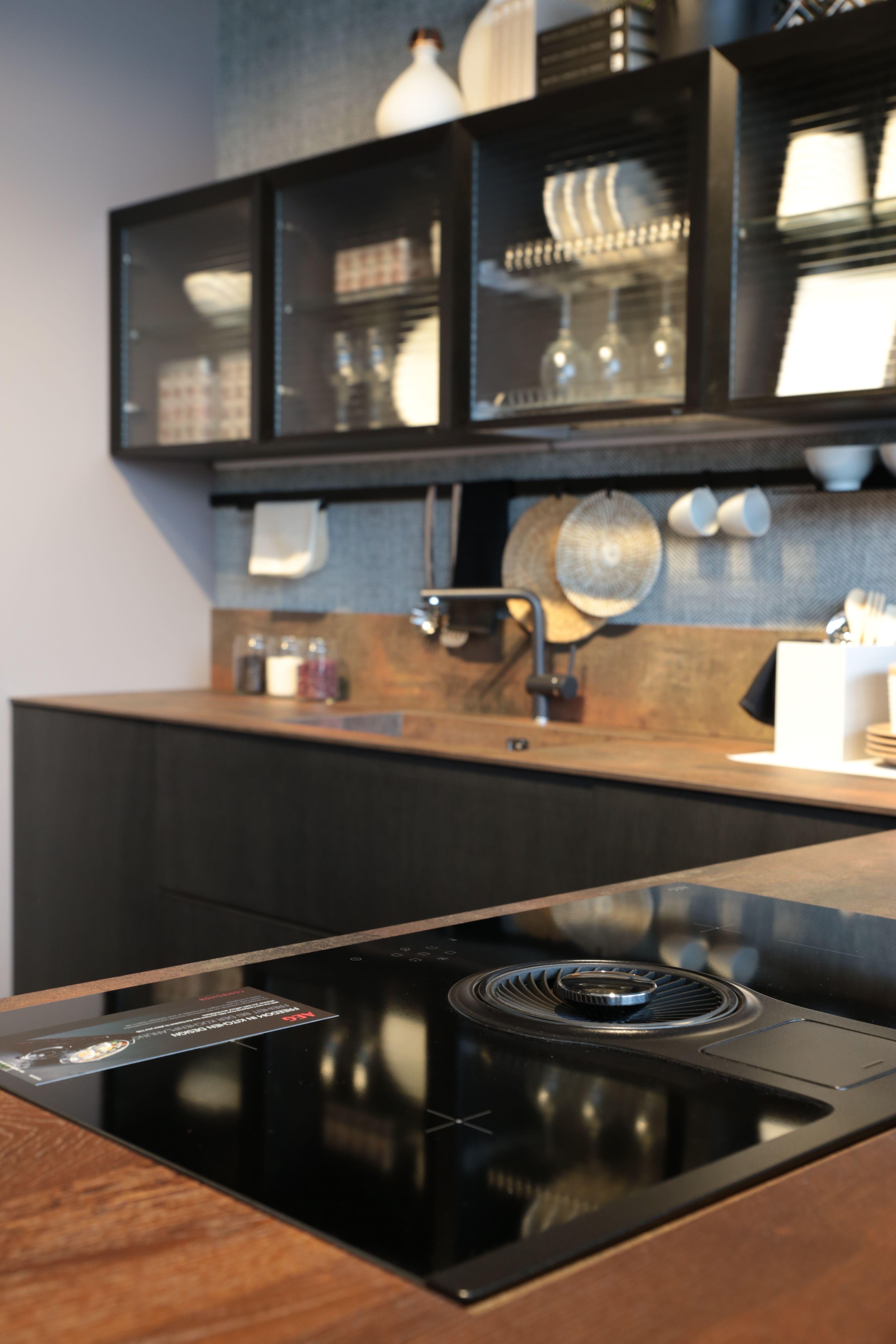 Cucine LUBE. CREO Kitchens. Veneto. Cucina moderna con Piano cottura ...