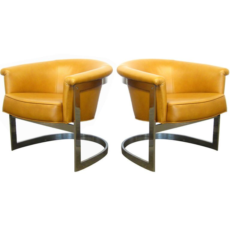 Exceptional Pair Of Milo Baughman Lounge Chairs By Thayer Coggin