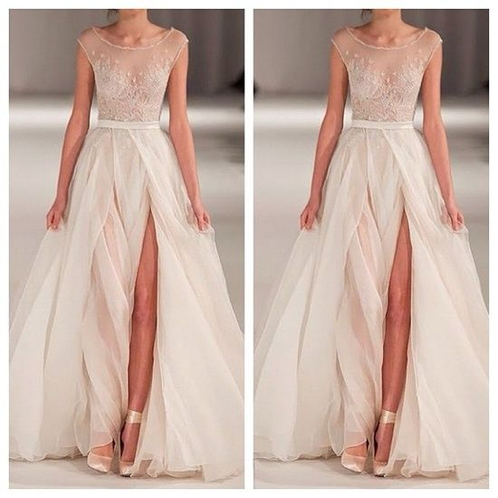 Gorgeous non-traditional wedding dress | http://awesomeweddingphotos ...