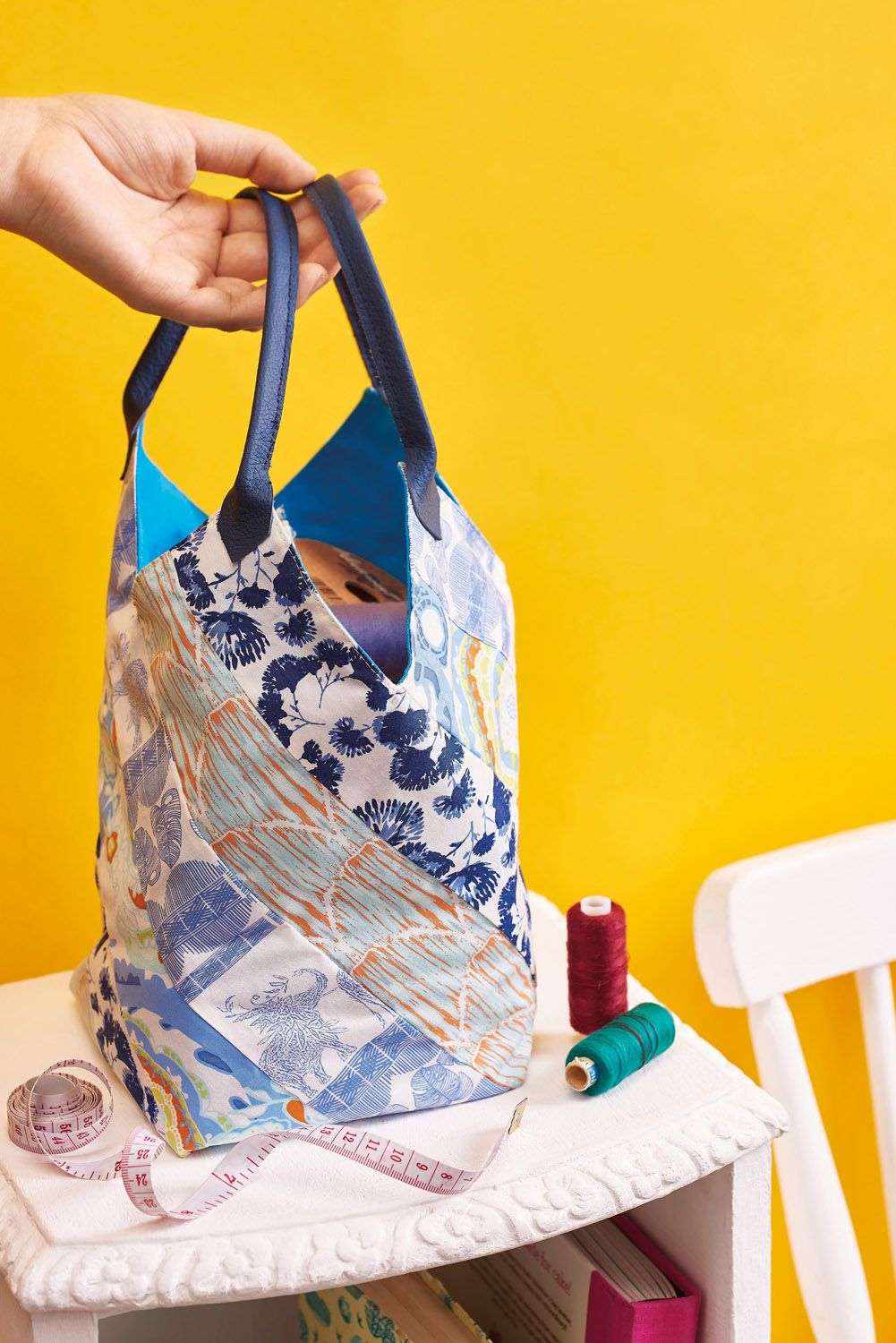 Carry your belongings in style with this easy patchwork