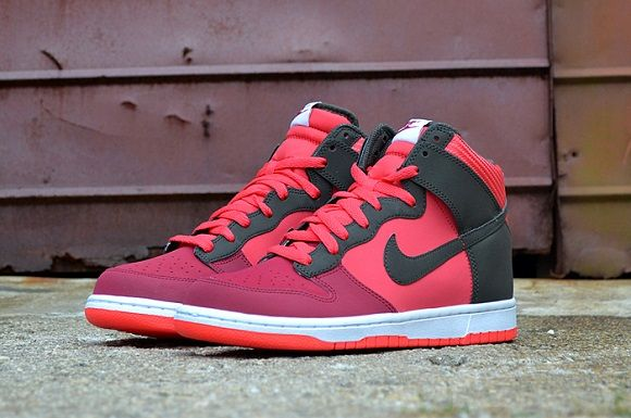 """premium selection 3b79d cb83d Nike Dunk High """"Noble Red"""""""