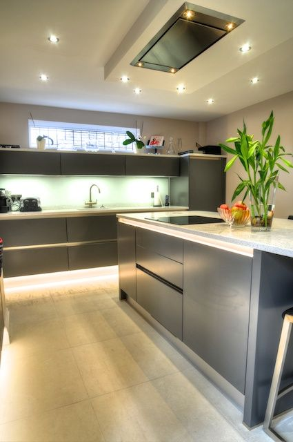 Exceptional Fitted Kitchen, Clifton Drive, Lytham St Annes ...