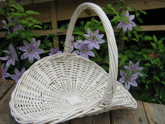 Vintage White Wicker Flower Gathering Basket By Vintagecabindecor White Wicker Wicker White Vintage