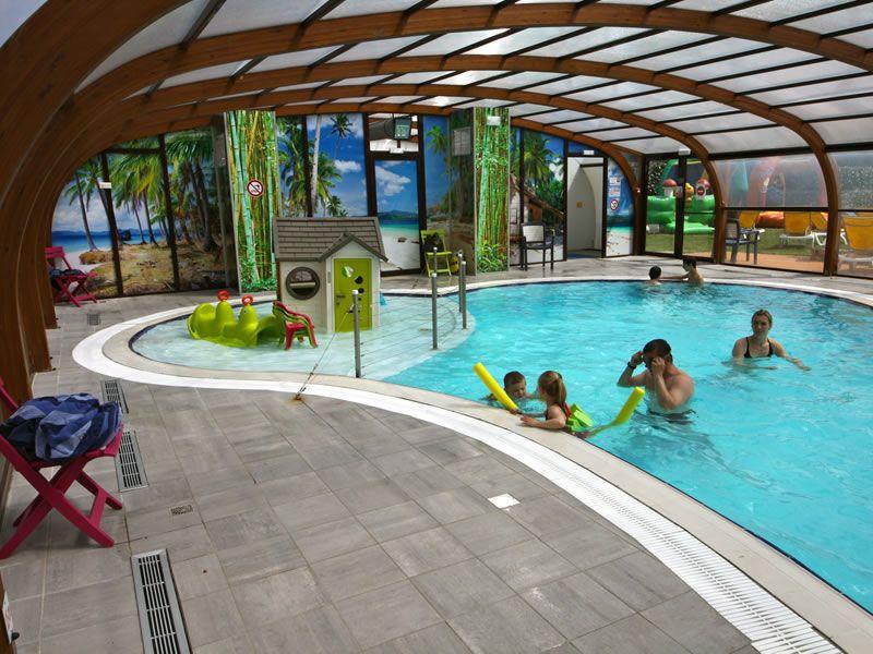 piscine couverte avec jacuzzi intgr