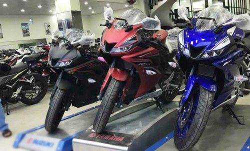 Yamaha R15 2017 lô hàng đầu tiên về Việt Nam giá 125 triệu đồng