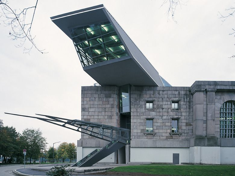 Bericht Dokumentationszentrum Reichsparteitagsgelande In Nurnberg Architecture School Architecture Building