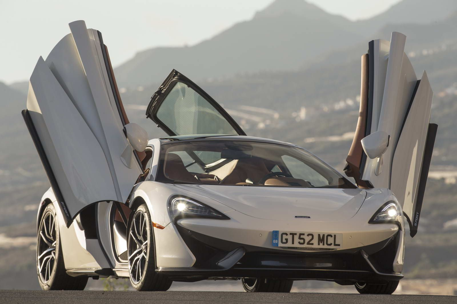 We Drive The New McLaren GT Does It Push All The Right - We drive fast cars