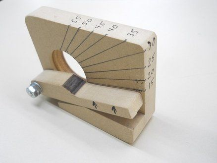 A Chisel And Plane Iron Angle Gauge For 0 00