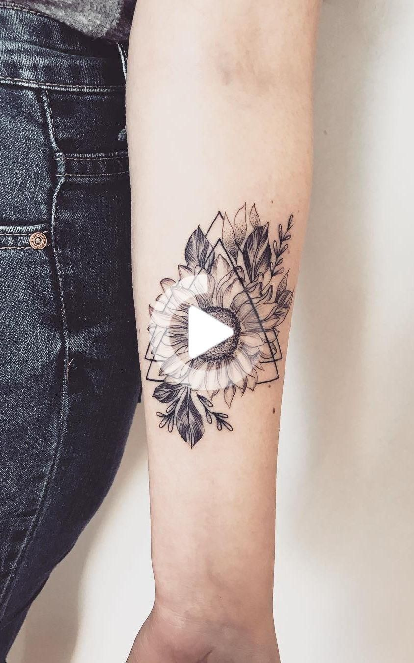 Photo of Celebrate the beauty of nature with these inspiring sunflower tattoos
