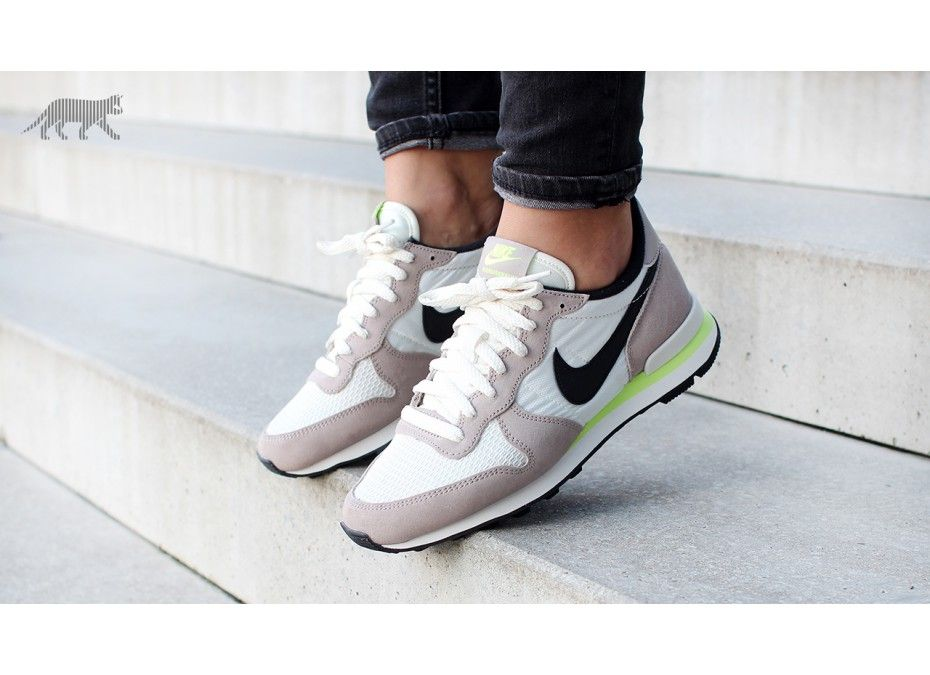 promo code 219a6 99567 Nike wmns Internationalist (Medium Orewood Brown   Black - Light Bone -  Volt)