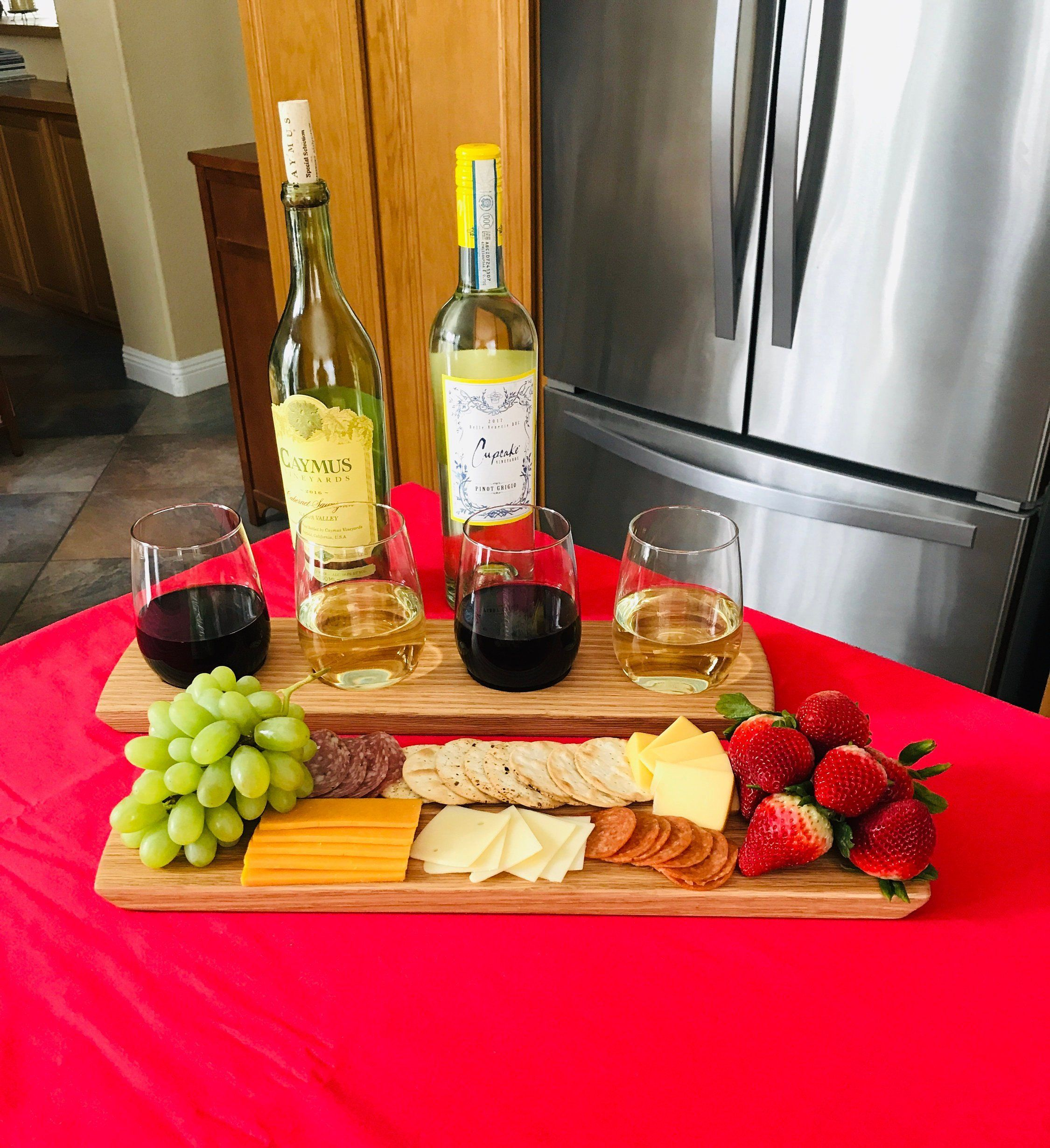 Wine Flight Charcuterie Board Set Solid Oak 4 Stemless Wine Glass Set Serving Tray Wine Tasting Can Be Person Clean Eating Snacks Food Cheese Platters