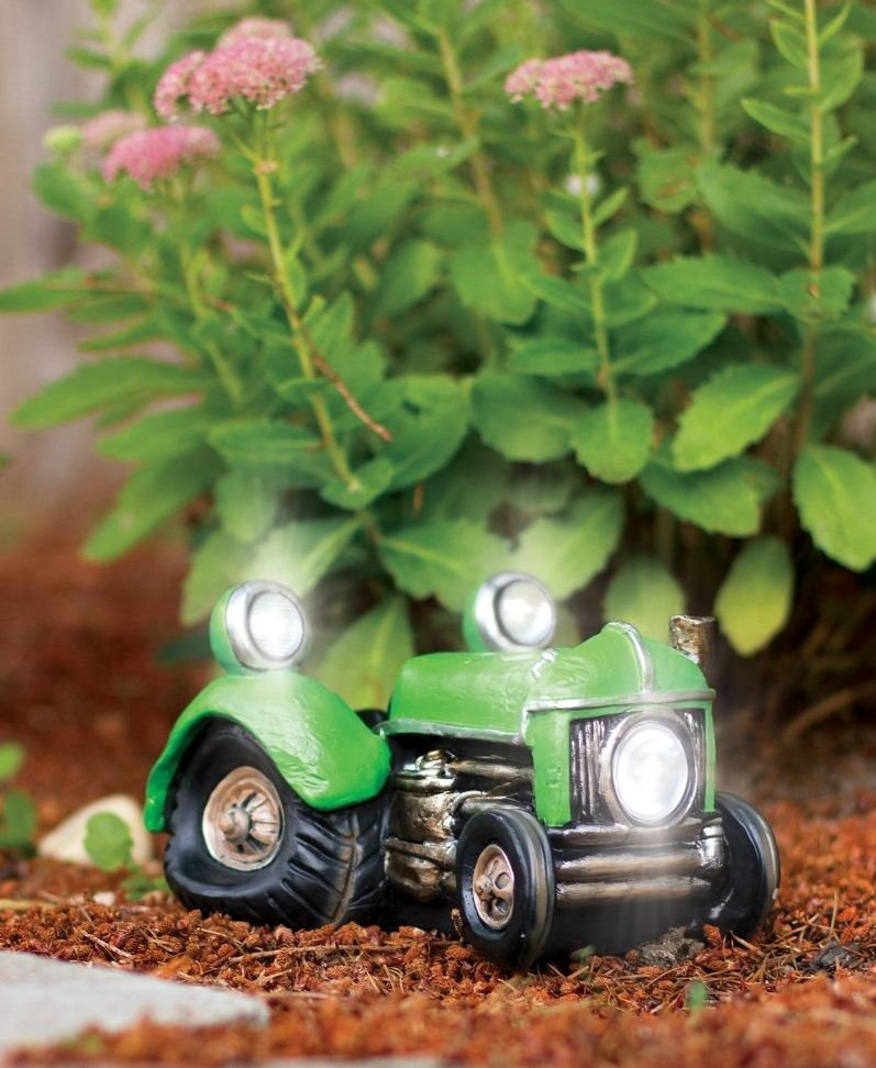 Beautiful Solar Powered Vintage Tractor Vehicle Garden Decor