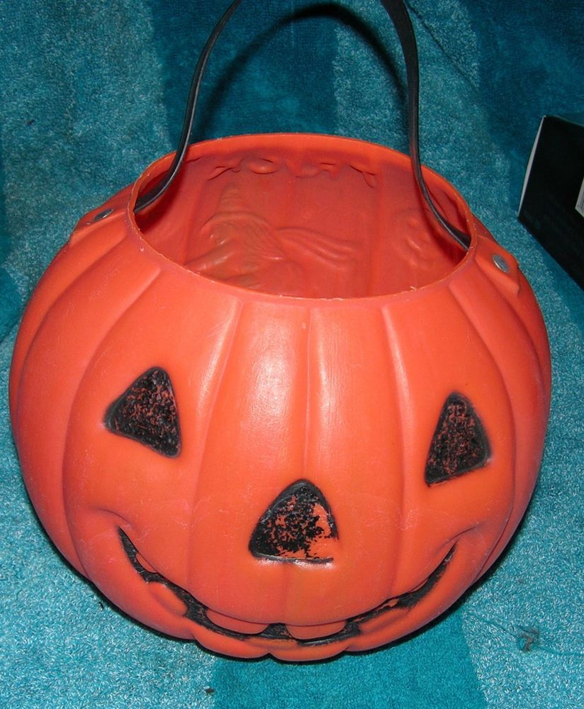 vintage halloween plastic pumpkin candy bucket witch trick treat renzi corp - Plastic Pumpkins