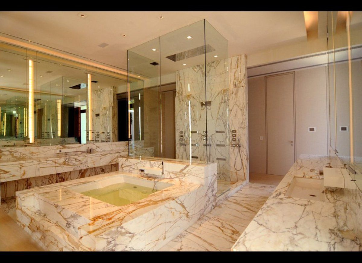 The Property 3 Indian Creek Drive Closed For $ 47 Million Making Endearing Million Dollar Bathroom Designs Inspiration