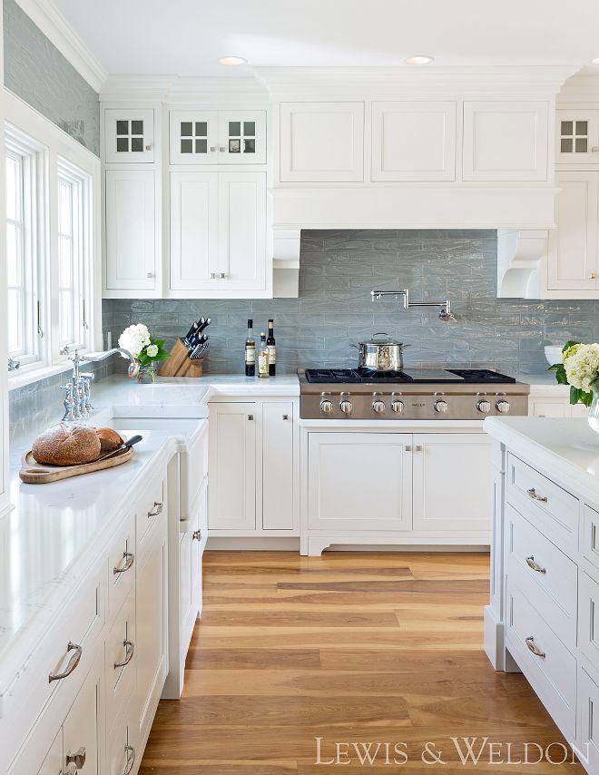 Classic White Kitchen with New Design Ideas