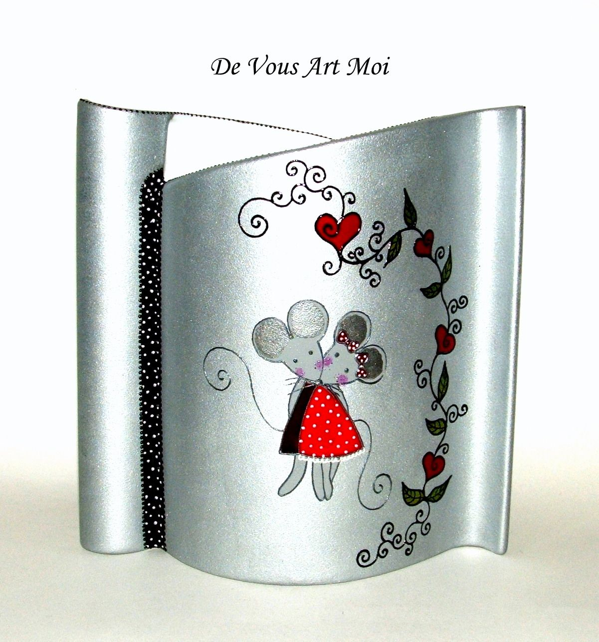vase moderne en porcelaine couple de souris peint la main. Black Bedroom Furniture Sets. Home Design Ideas