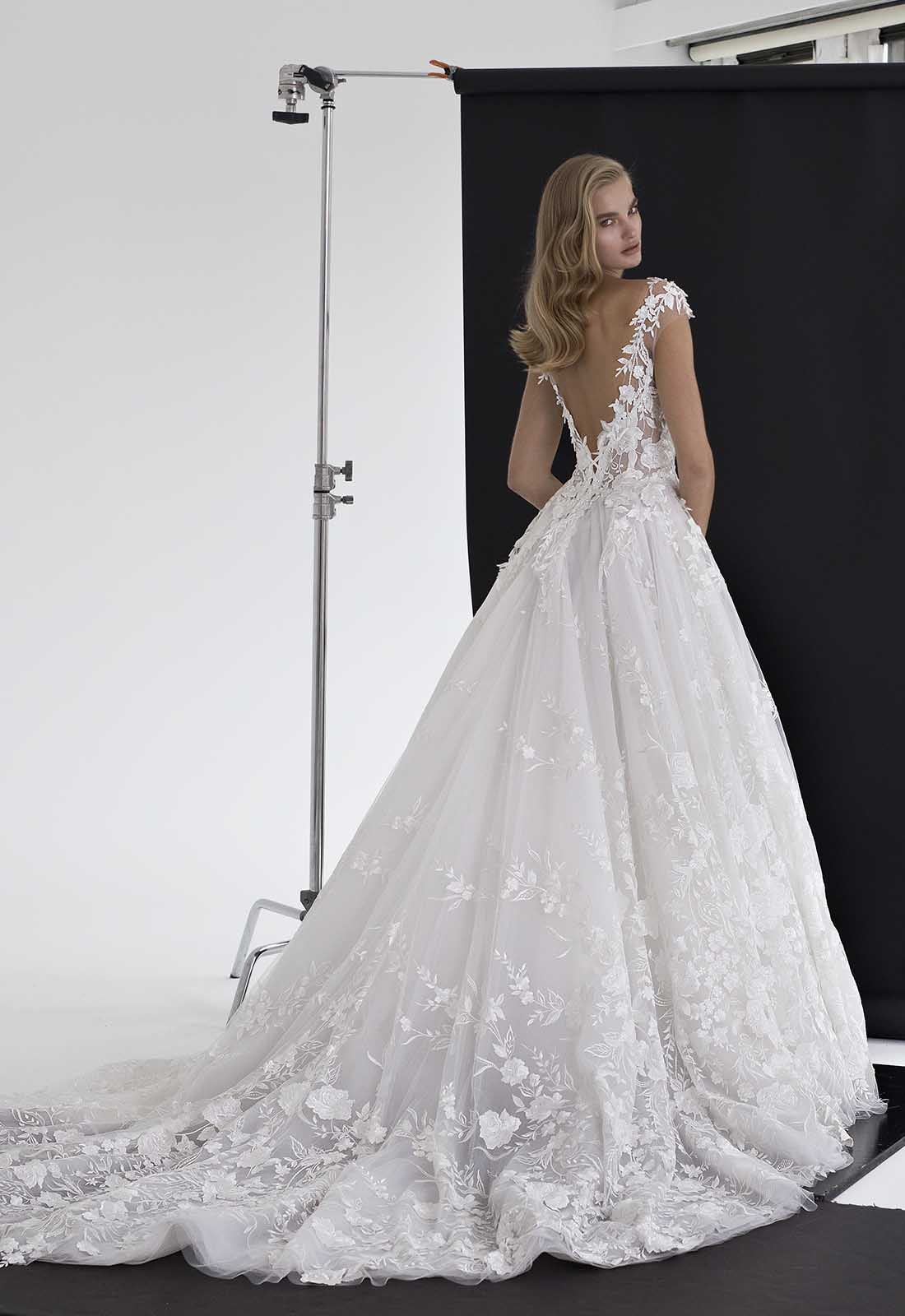 Floral Applique Tulle Ball Gown By Pnina Tornai Image 2 Zoomed In Ball Gown Wedding Dress Ball Gowns Wedding Ball Gowns