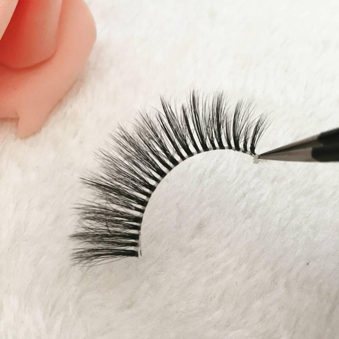 the new style silklashes.the softest,lightest and the most natural looking lashes.product line:http://www.beauty-imexport.com/clear-band-eyelashes-TH20.html #lashes #lashesonfleek #silklashes #eyelashes #eyemakeup #customerservice #cosmetics #lashesextension #beauty #beautiful #hudabeauty #yumenglashes #makeup #makeupart #mua #art #fashion #lifestyle #lashesdubai #lashdubai #like4follow #like4likes #loveu #weddingdress #marryme #hair…