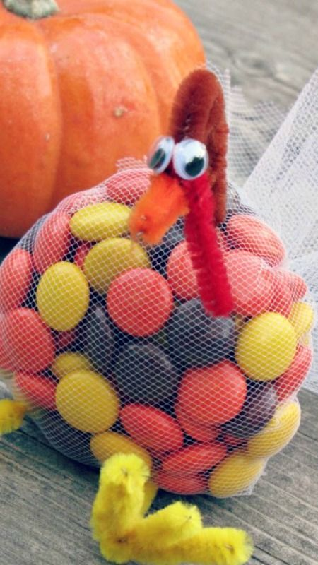 Turkey Treats ~ Cute and perfect for school treats or the kids' Thanksgiving table!