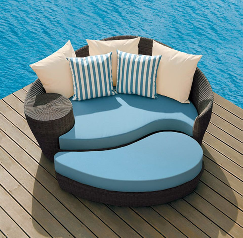 Contemporary outdoor chairs product daybed and ottoman design for home outdoor furniture by barlow tyrie