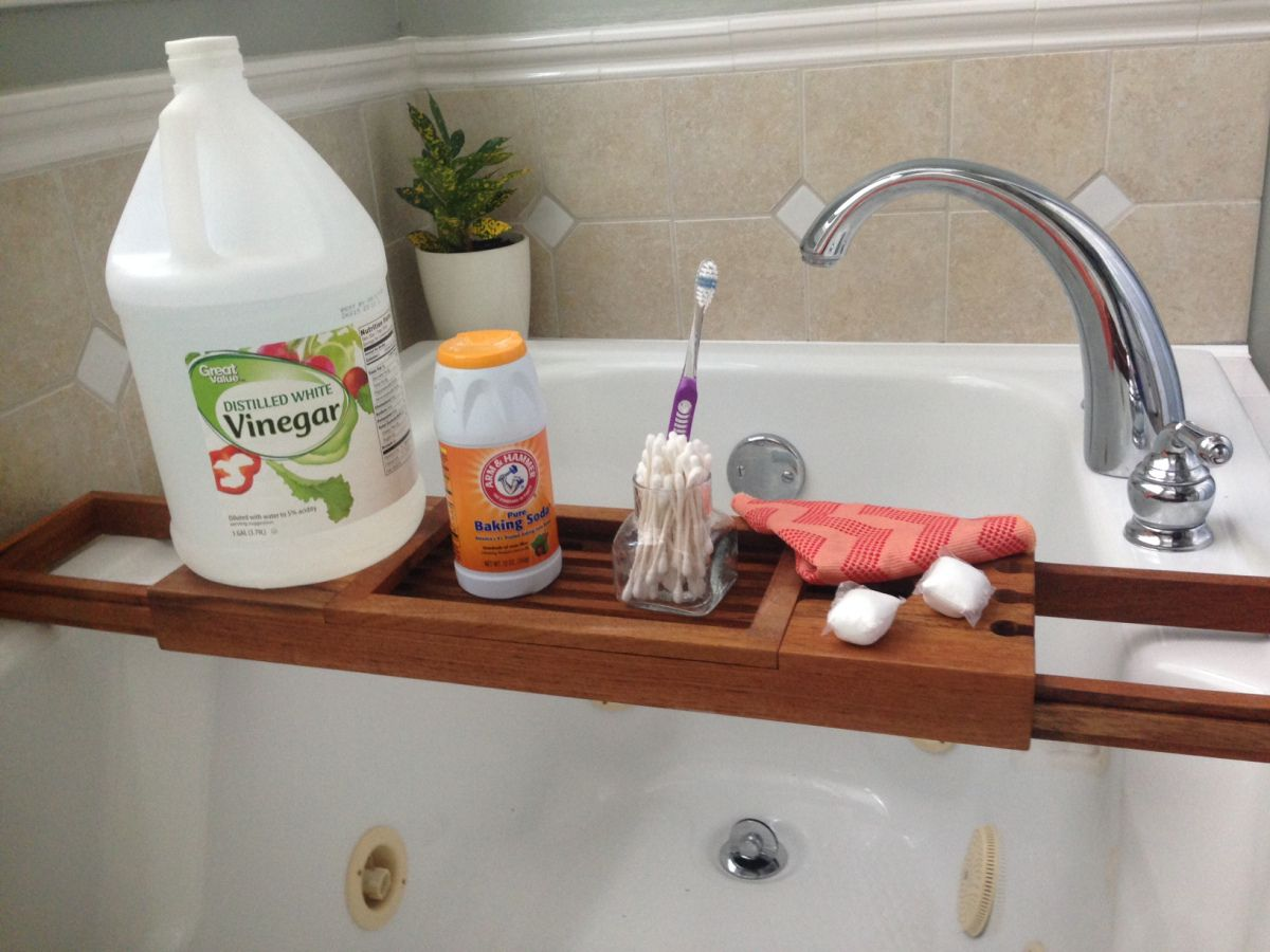 How To Clean A Jetted Tub Using a few common house