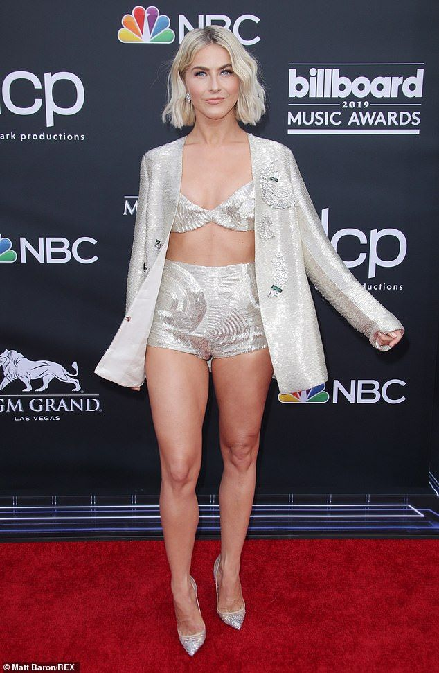 Julianne Hough dazzles in a silver bralet and matching hotpants #juliannehoughstyle