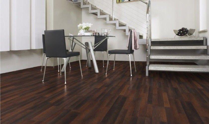 Abbinare pareti e pavimento in 2019 home decor stairs for Casa moderna parquet