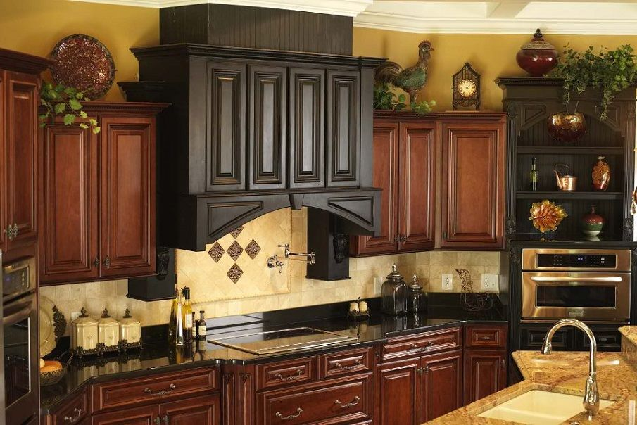 Decorating above kitchen cabinet colors have a stylish for Above kitchen cabinets decorating ideas