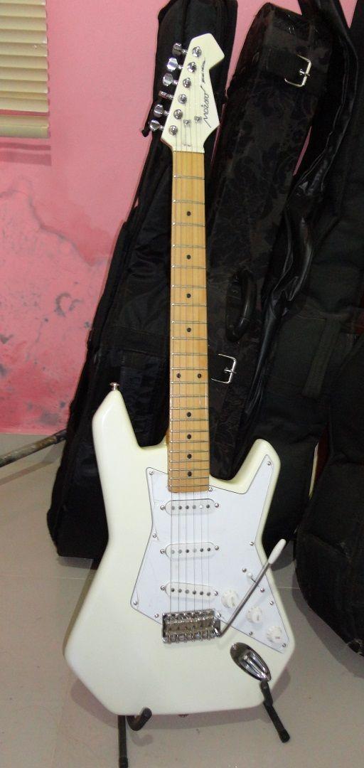 Guitarra Mozart - Exclusiva - Strat Version 2018
