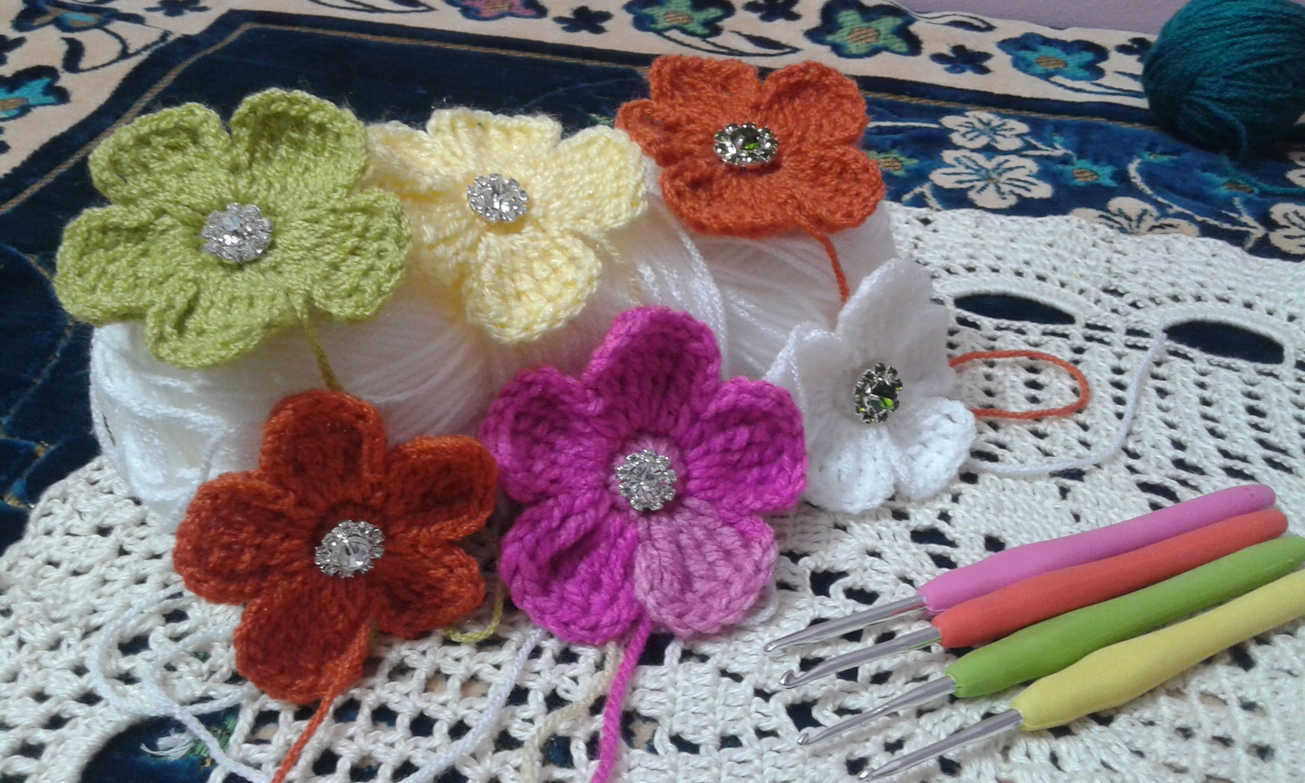 How to : crochet flower step by step ( video tutorial )