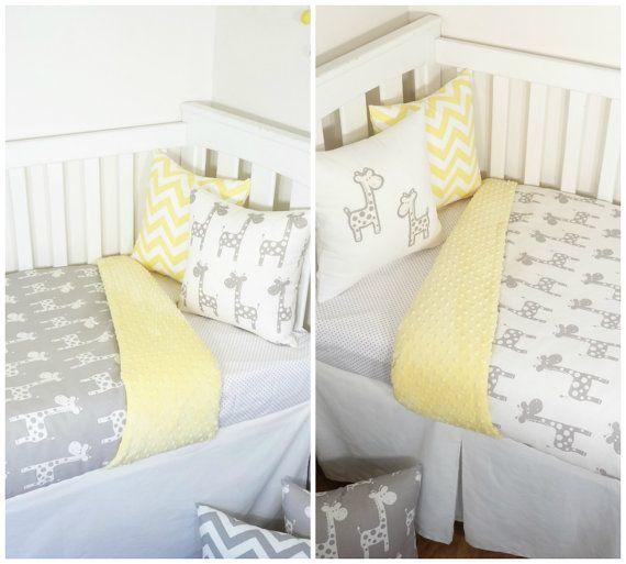 Artículos vivero jirafa amarillo y gris por MamaAndCub en Etsy