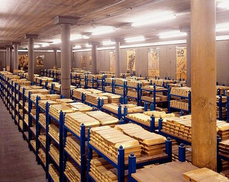 The Bank Of England Gold Vault From 15 Most Impenetrable Bank Vaults Silver Vaults Gold Vaults Cmi Gold And Silver Gold Reserve Gold Purchase Gold Vault