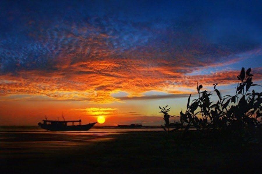 15 Pemandangan Yang Indah Di Laut 5 Pantai Indah Di Papua Yang Patut Kamu Kunjungi Download Pantai Carocok Ini Memiliki Pemandan Di 2020 Pemandangan Lautan Pantai