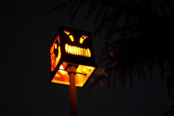 How to darken your streetlight for Halloween night... something we have always wanted a way to do.